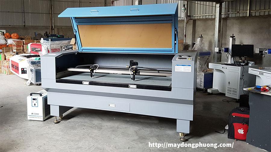 Máy cắt khắc Laser 1610 Đông Phương