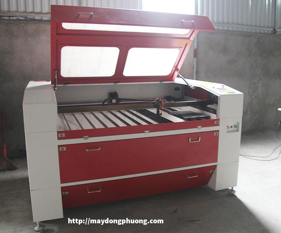 Máy cắt laser 1390 Đông Phương