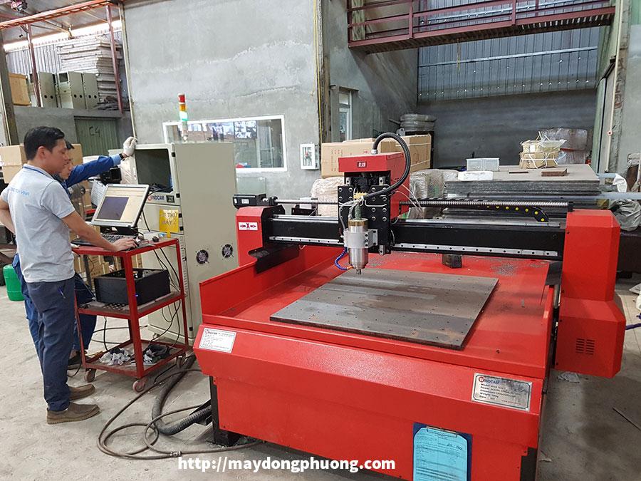 Máy CNC đục khắc đá giá rẻ