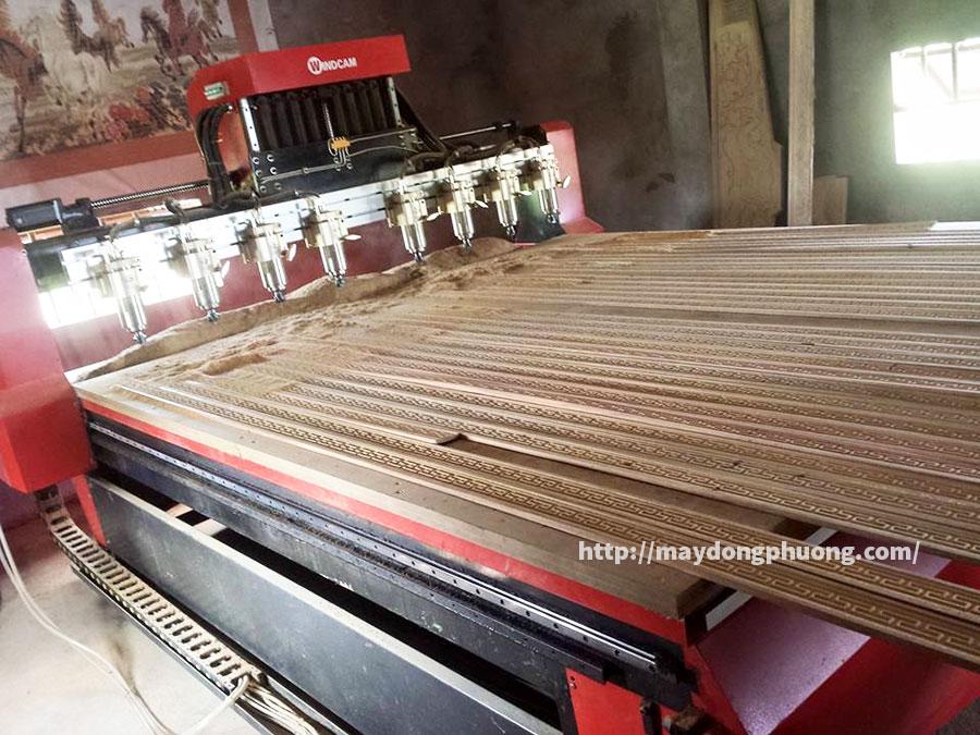 Máy khắc CNC Đông Phương