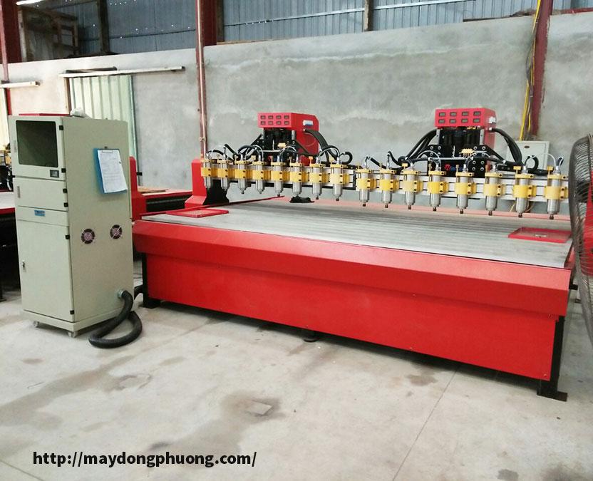 Máy khắc gỗ CNC 16 mũi