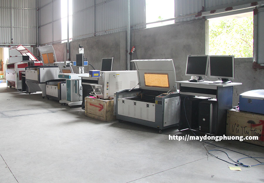 Máy Laser Co2 khắc nhãn Đông Phương