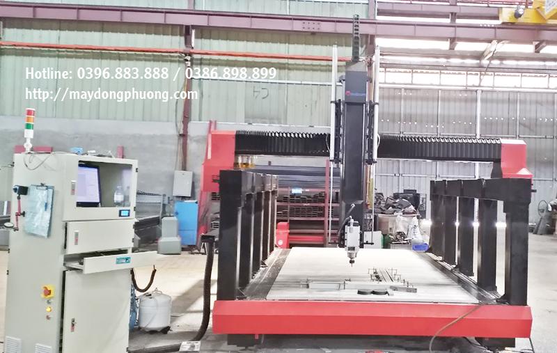 Máy CNC thiết kế