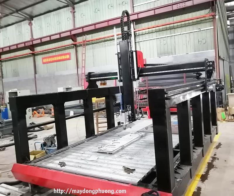 Máy CNC khắc mô hình Đông Phương