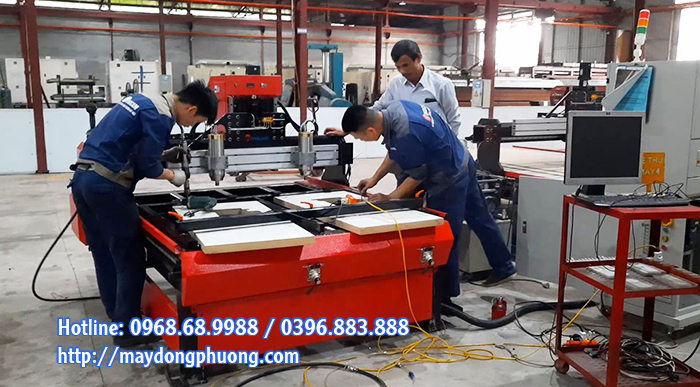 máy cnc thiết kế cắt bàn máy khâu