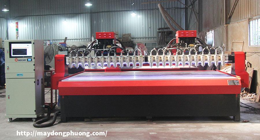 Máy chạm khắc gỗ CNC Đông Phương