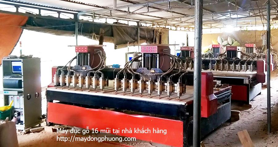 Máy khắc gỗ CNC tại nhà khách hàng