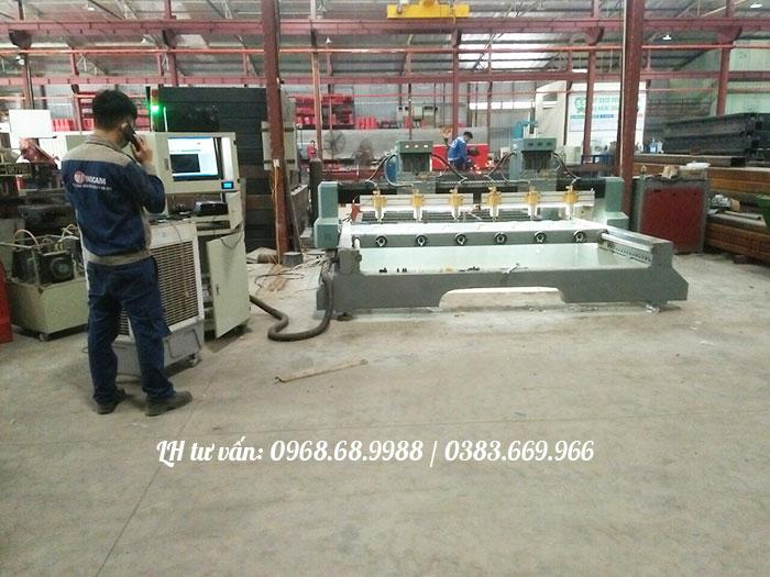 Máy CNC đục gỗ vi tính 4d