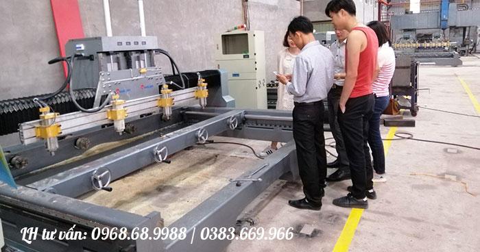 Máy đục tượng CNC