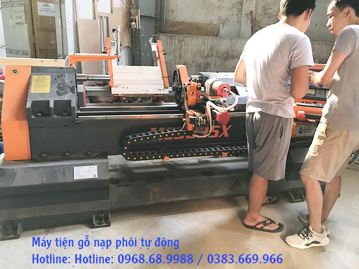 Máy tiện gỗ cnc Đông Phương
