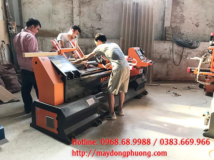 Máy tiện gỗ tự động Đông Phương Hà Nội