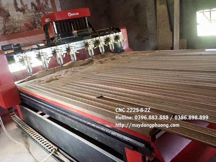 Máy khắc gỗ cnc 8 mũi 2225