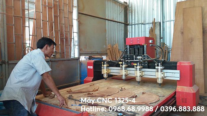 máy đục gỗ 4 mũi 1325